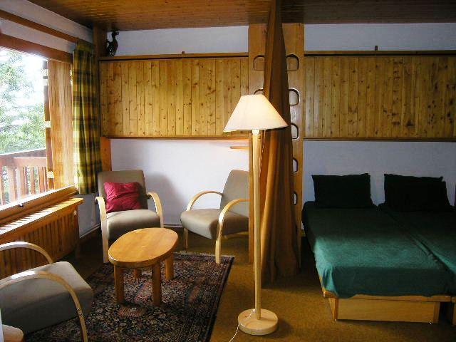 Location au ski Studio 4 personnes (19) - Residence La Foret - Méribel - Séjour
