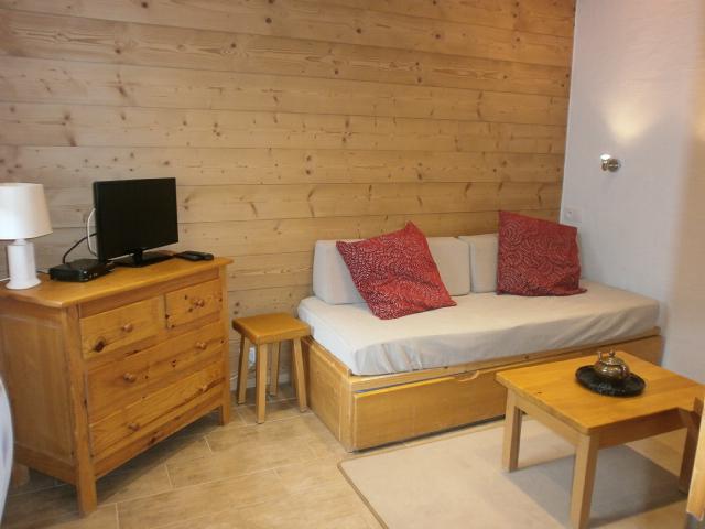 Location au ski Studio 2 personnes (1 BIS) - Residence Le Vallon - Méribel - Canapé