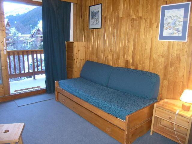 Location au ski Studio 4 personnes (21) - Residence Les Brimbelles - Méribel - Banquette-lit