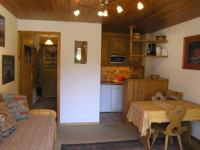 Location au ski Studio 4 personnes (23) - Residence Les Brimbelles - Méribel - Coin nuit