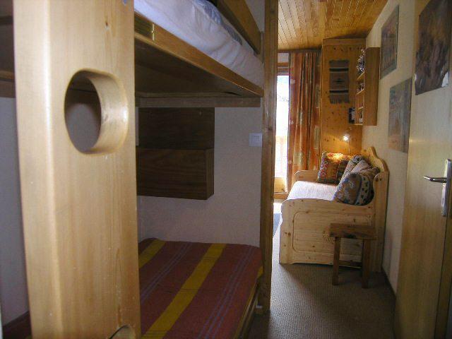 Location au ski Studio 4 personnes (23) - Residence Les Brimbelles - Méribel - Plaques vitrocéramiques