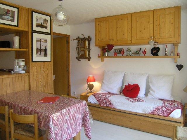 Location au ski Studio divisible 6 personnes (10) - Residence Les Brimbelles - Méribel - Table
