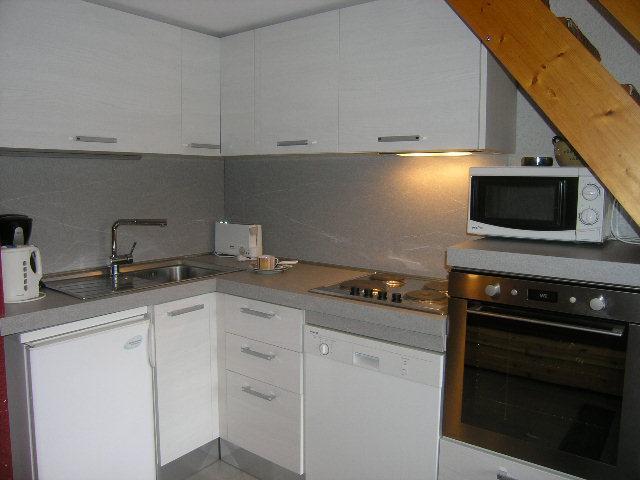 Location au ski Studio mezzanine 5 personnes (32) - Residence Les Brimbelles - Méribel - Kitchenette