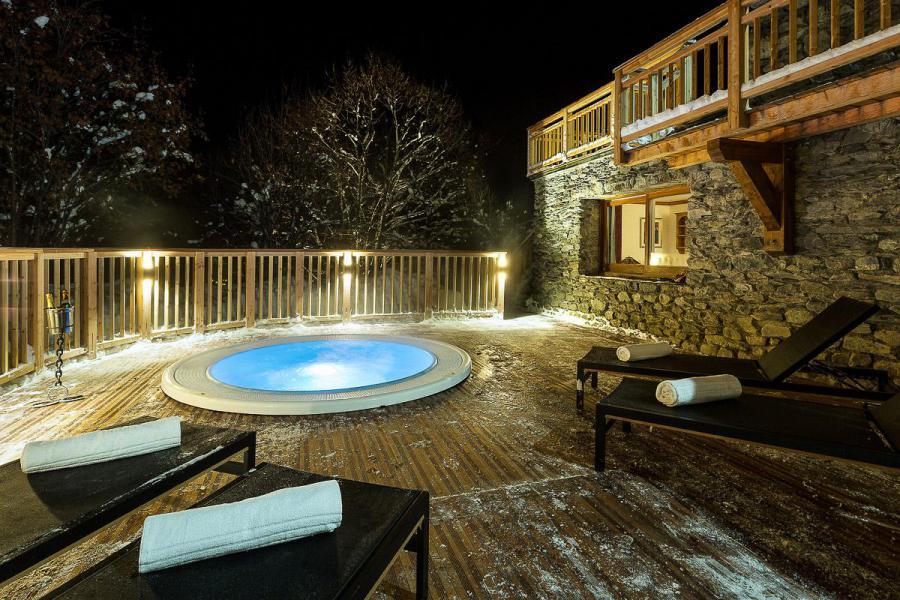 Location au ski Chalet Iona - Méribel - Jacuzzi