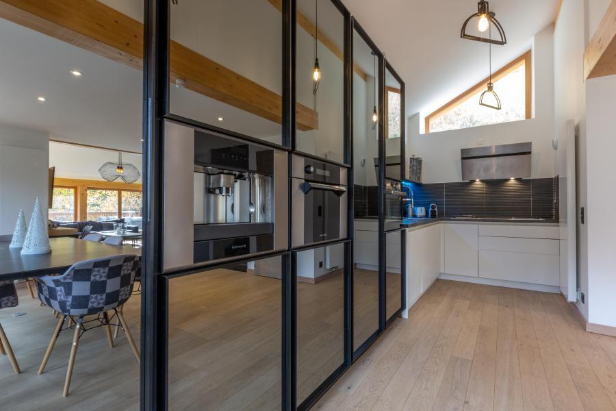 Rent in ski resort 7 room chalet 12 people - Chalet Manara - Méribel - Kitchen