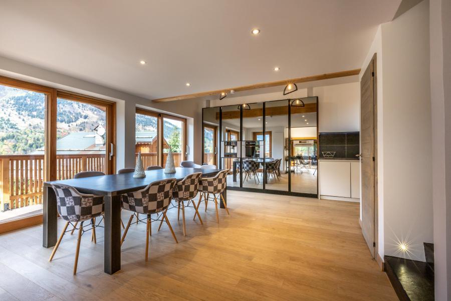 Location au ski Chalet 7 pièces 12 personnes - Chalet Manara - Méribel - Salle à manger