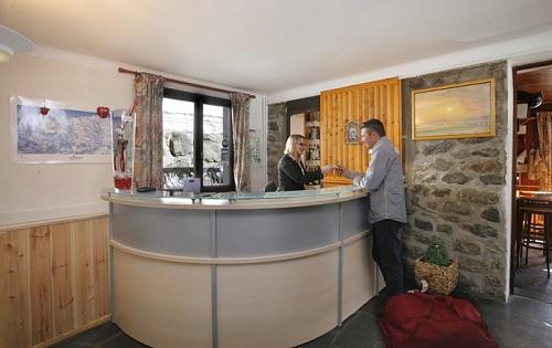 Location au ski Hotel Eliova Le Genepi - Méribel - Réception