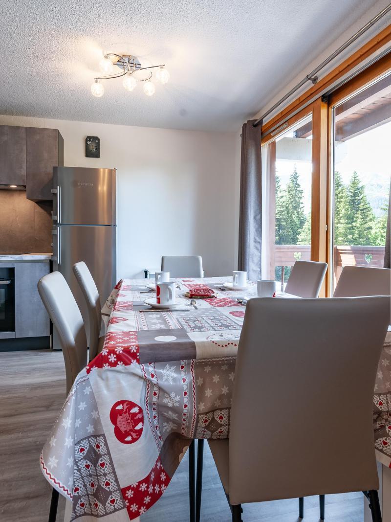 Alquiler al esquí Apartamento 2 piezas para 5 personas (B2) - La Résidence le Christmas - Méribel - Mesa