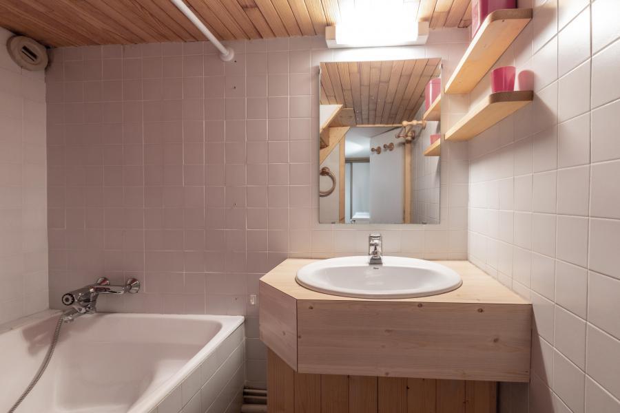 Location au ski Appartement 3 pièces 8 personnes (12) - La Résidence le Surf - Méribel - Baignoire
