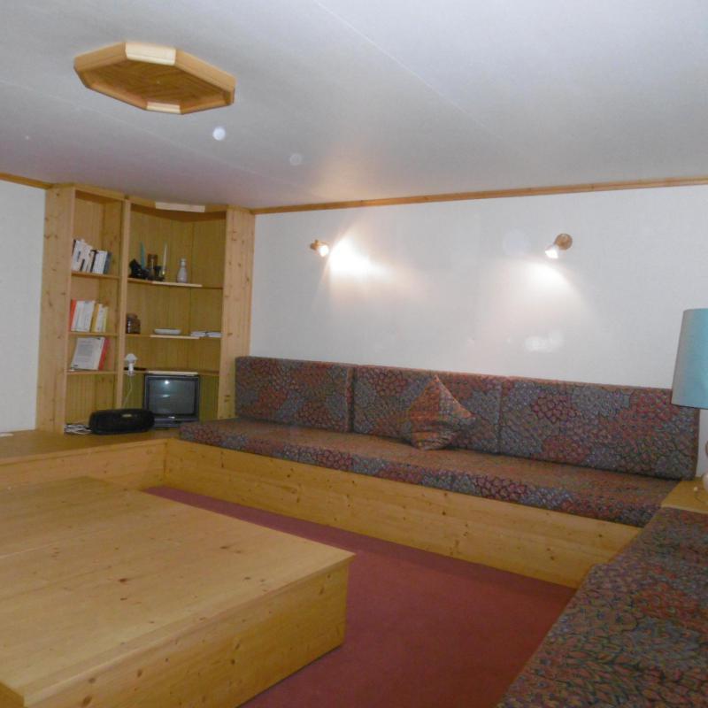 Location au ski Appartement 3 pièces 8 personnes (12) - La Résidence le Surf - Méribel - Canapé