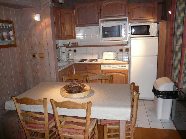 Location au ski Appartement duplex 4 pièces 6 personnes (07) - Residence Frenes - Méribel - Chambre mansardée