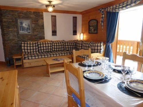 Location au ski Appartement 3 pièces 6 personnes - Residence Jardin D'eden - Méribel - Table