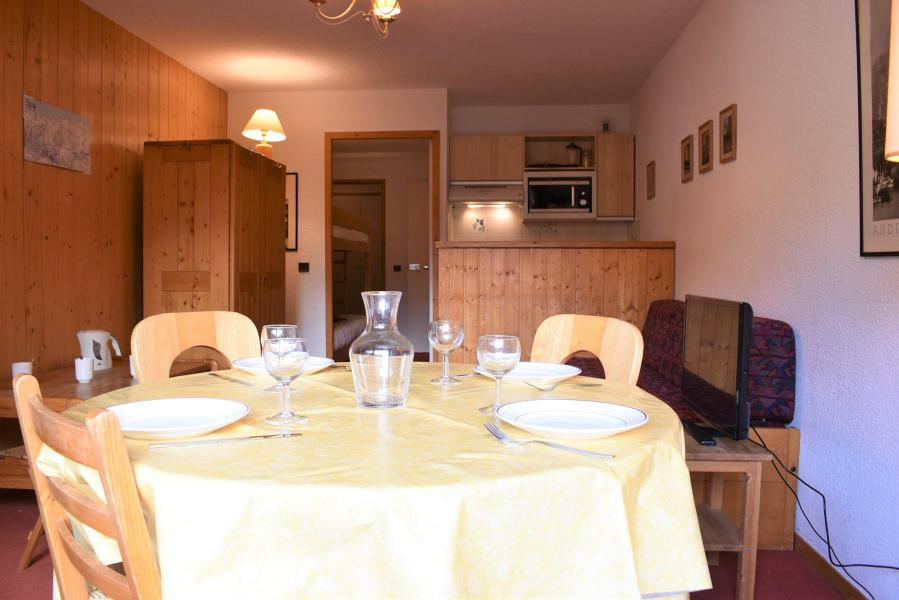 Location au ski Studio 4 personnes (1) - Résidence l'Ermitage - Méribel