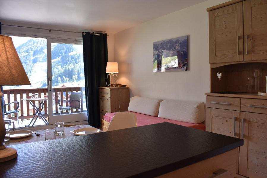 Location au ski Studio 4 personnes (031) - Résidence l'Ermitage - Méribel - Appartement