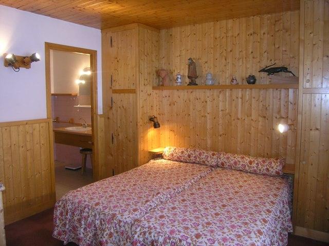 Location au ski Appartement 2 pièces 4 personnes (30) - Résidence la Forêt - Méribel - Salle à manger