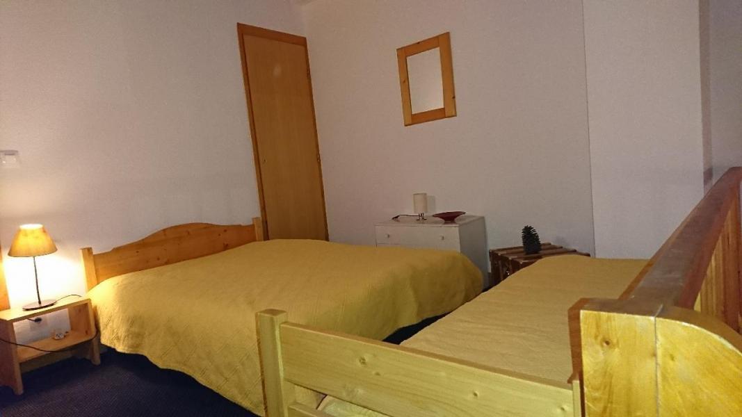 Location au ski Appartement duplex 3 pièces 6 personnes (20) - Residence Le Chasseforet - Méribel - Chambre