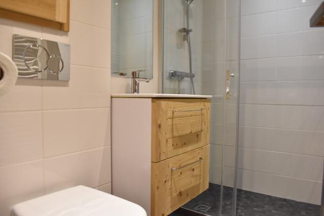 Location au ski Studio 2 personnes (6) - Résidence le Chasseforêt - Méribel - Salle d'eau