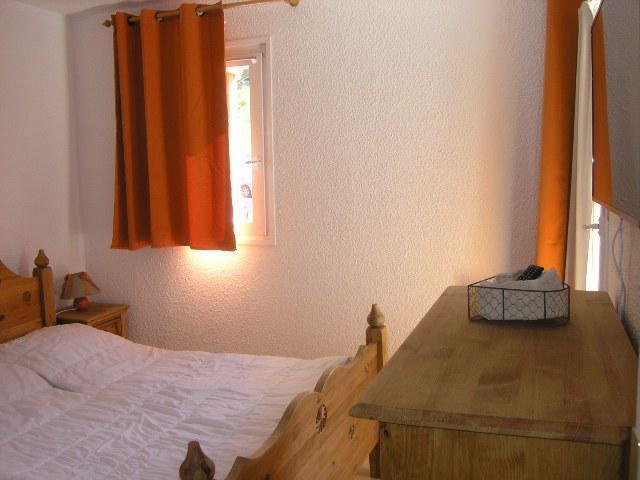 Location au ski Appartement 2 pièces 4 personnes (A1) - Residence Le Petaru - Méribel - Banquette