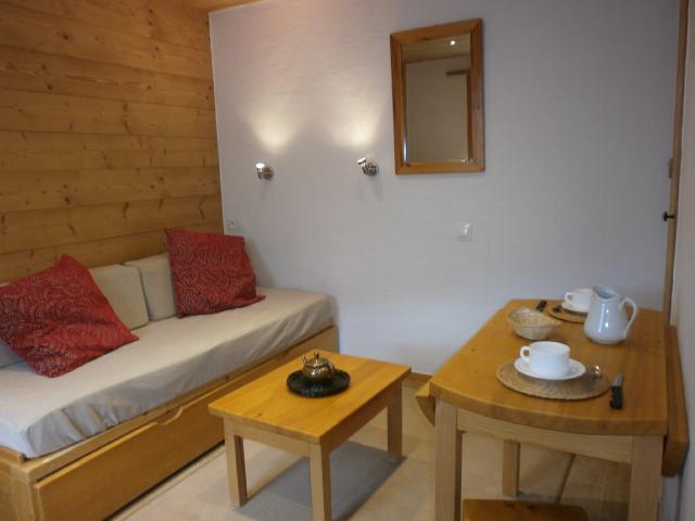 Location au ski Studio 2 personnes (1 BIS) - Residence Le Vallon - Méribel - Séjour