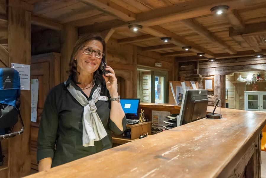 Alquiler al esquí Résidence P&V Premium les Fermes de Méribel - Méribel - Recepción