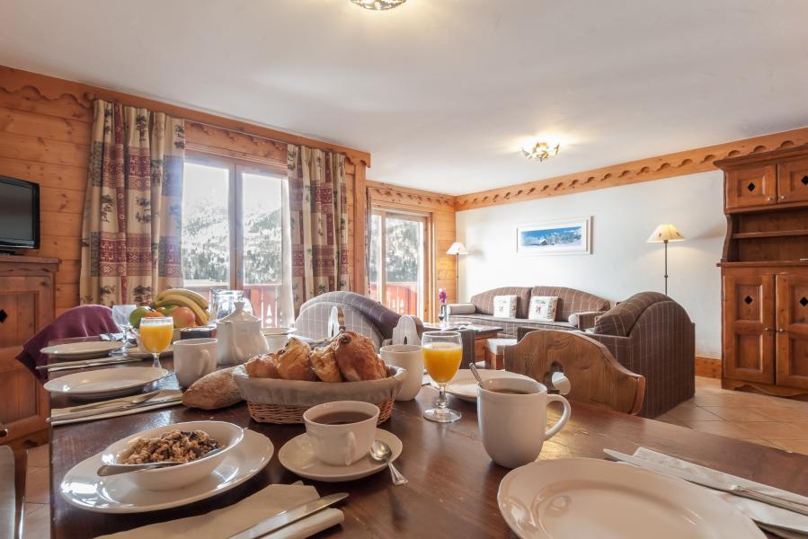Location au ski Residence P&v Premium Les Fermes De Meribel - Méribel - Table