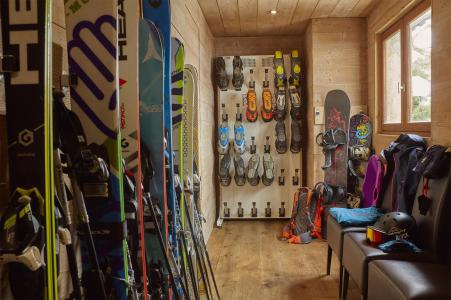 Location au ski Chalet Iona - Méribel - Casier à skis