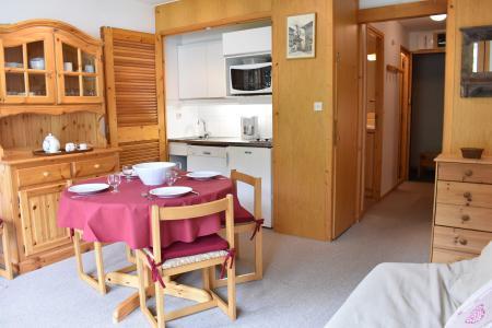 Location au ski Studio coin montagne 4 personnes (MRB220-028) - La Résidence les Dauphinelles - Méribel - Table