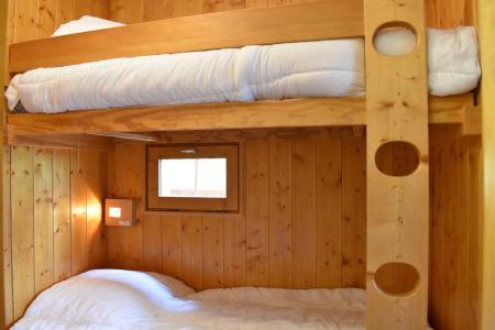 Location au ski Studio coin montagne 4 personnes - Résidence Eperonnelles - Méribel - Banquette-lit