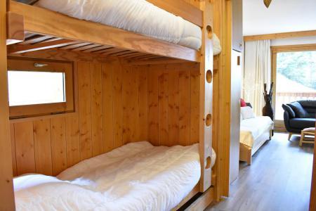 Location au ski Studio coin montagne 4 personnes - Résidence Eperonnelles - Méribel - Canapé-lit