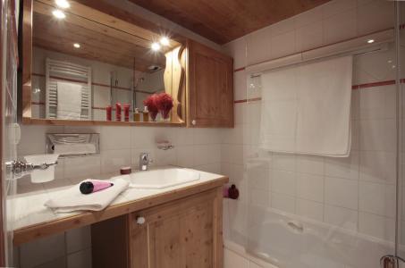 Alquiler al esquí Résidence P&V Premium les Fermes de Méribel - Méribel - Cuarto de baño