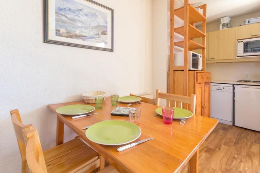 Wynajem na narty Studio kabina 4 osoby (02) - Résidence Chalets du Planay - Montalbert - Jadalnia