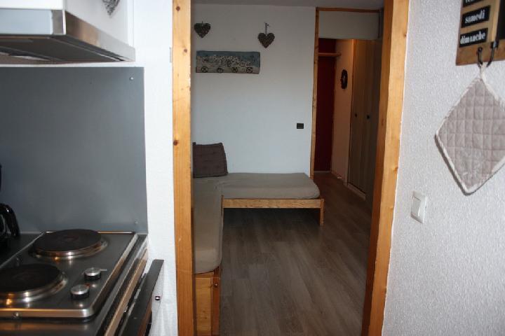 Location au ski Studio 3 personnes (2) - La Residence Le De 2 - Montchavin - La Plagne - Couloir