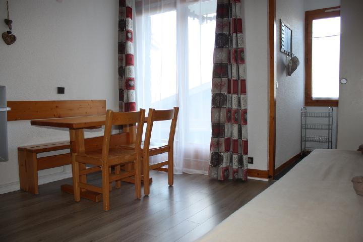 Location au ski Studio 3 personnes (2) - La Residence Le De 2 - Montchavin - La Plagne - Table