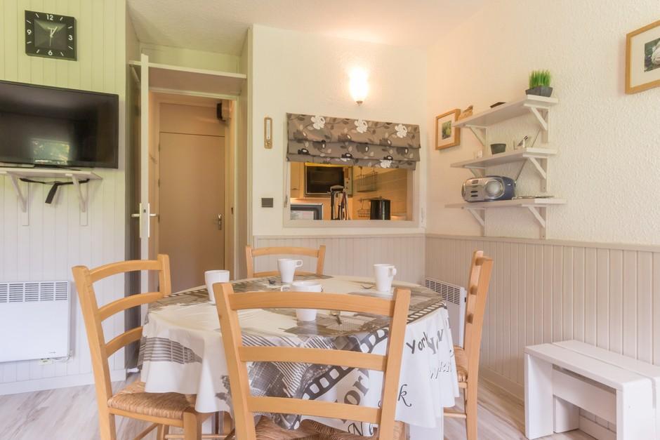 Location au ski Studio divisible 4 personnes (ROC22) - La Residence Les Roches - Montchavin - La Plagne - Table