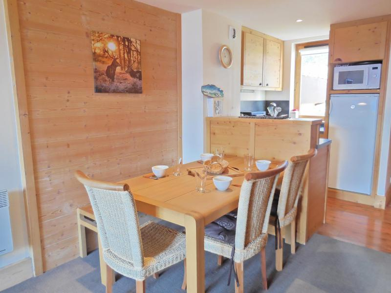 Location au ski Appartement 3 pièces 6 personnes - Résidence le Boulier - Montchavin La Plagne - Table