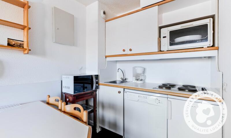 Vacances en montagne Studio 4 personnes (Confort -2) - Résidence le Hameau du Sauget - Maeva Home - Montchavin La Plagne - Extérieur hiver