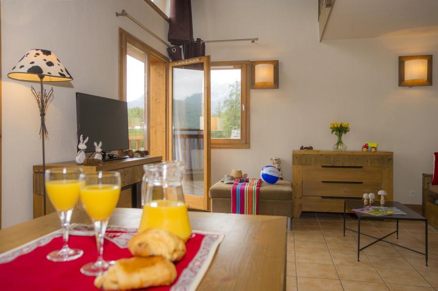 Location au ski Résidence les Chalets de Wengen - Montchavin La Plagne - Coin repas
