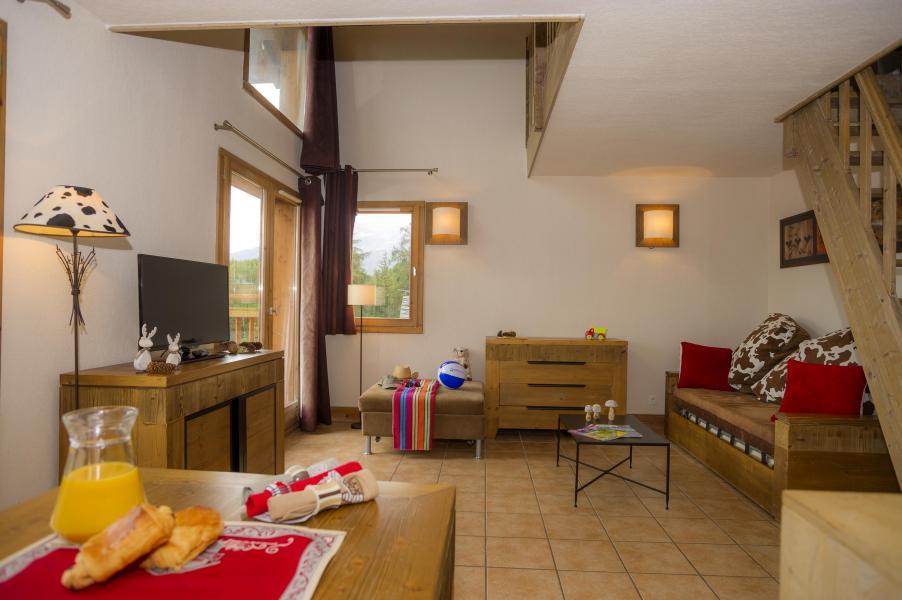 Location au ski Résidence les Chalets de Wengen - Montchavin La Plagne - Coin séjour