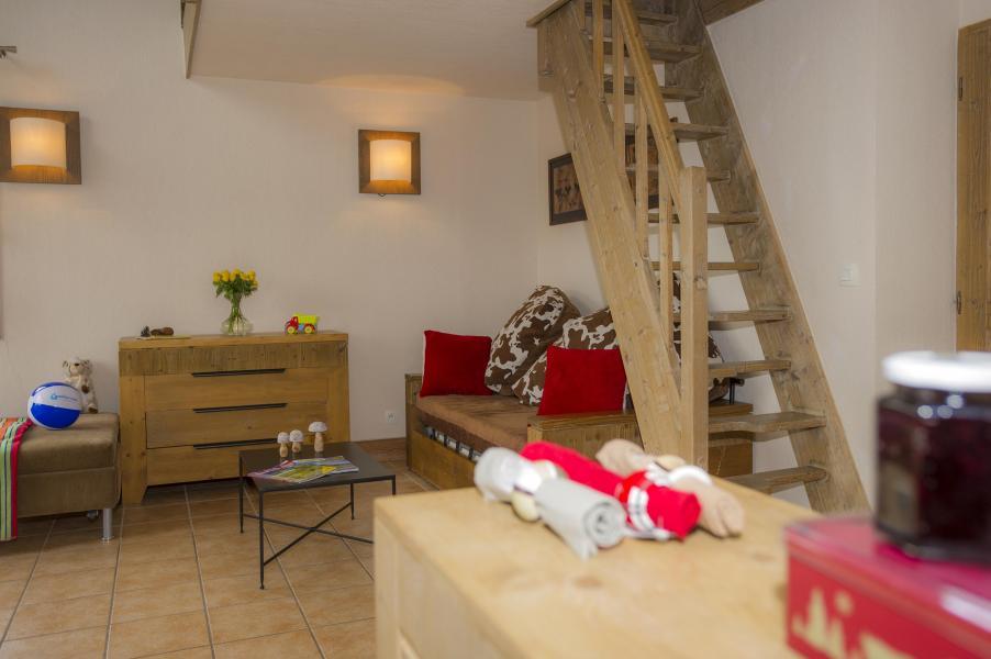 Location au ski Résidence les Chalets de Wengen - Montchavin La Plagne - Escalier