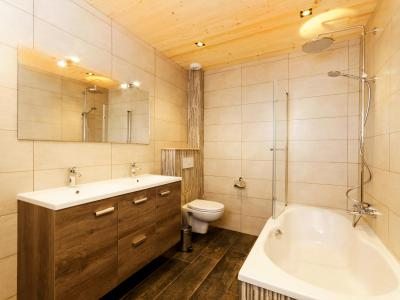 Rent in ski resort Chalet Paradise Star - Montchavin La Plagne - Bath-tub