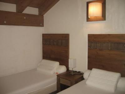 Accommodation with swmimming pool Residence Chalets De Wengen