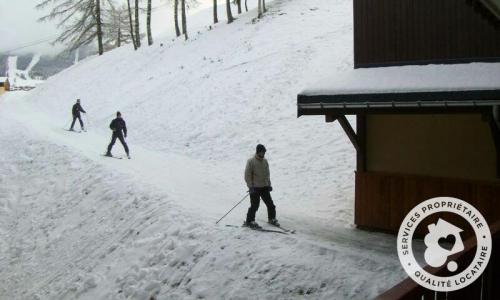 Location au ski Appartement 2 pièces 4 personnes (Confort -1) - Résidence le Hameau du Sauget - Maeva Home - Montchavin La Plagne - Extérieur hiver