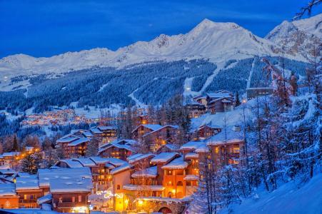 Vacances en montagne Résidence les Chalets de Wengen - Montchavin La Plagne - Extérieur hiver
