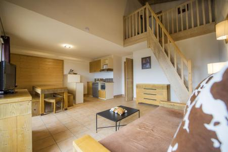 Rent in ski resort Résidence les Chalets de Wengen - Montchavin La Plagne - Living room