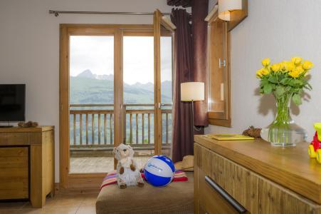 Location au ski Residence Les Chalets De Wengen - Montchavin - La Plagne - Porte-fenêtre donnant sur balcon
