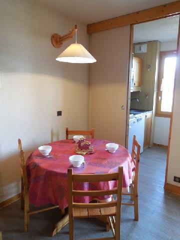 Location au ski Studio 3 personnes (002) - Résidence Pendule - Montchavin - La Plagne - Table