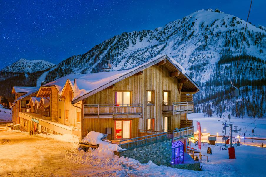 Location au ski Anova Hôtel & Spa - Montgenèvre - Extérieur hiver
