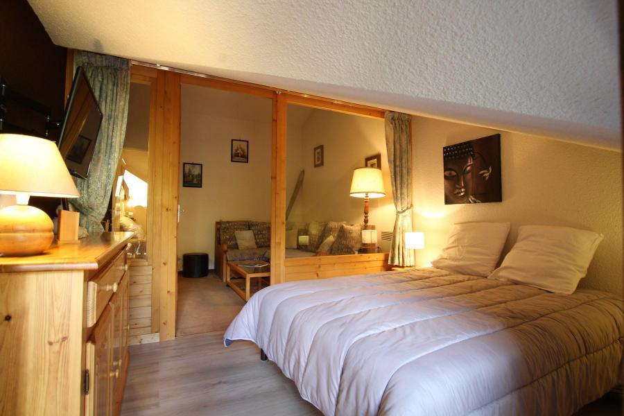 Soggiorno sugli sci Appartamento su due piani 4 stanze per 6 persone (A43) - La Résidence Ferme d'Augustin - Montgenèvre - Camera mansardata