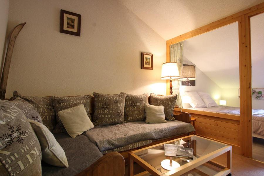 Soggiorno sugli sci Appartamento su due piani 4 stanze per 6 persone (A43) - La Résidence Ferme d'Augustin - Montgenèvre - Divano
