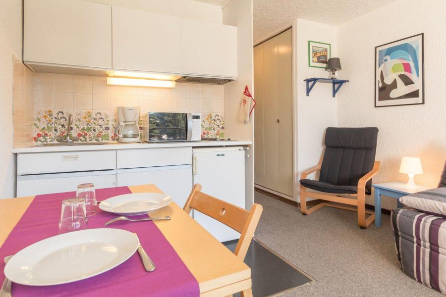 Location au ski Studio 2 personnes (SER217) - La Residence La Renardiere - Montgenèvre - Coin repas